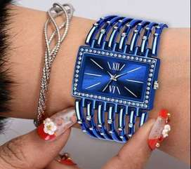 Stylish Watch for Women below 300 (Attractive Bracelet type)