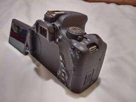 EOS 700D Body Kit + Lensa 35-80mm