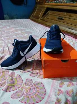 Nike shoe SIZE 7