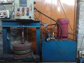 Hydrulic paper plate machine