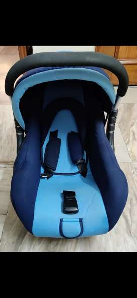 Car seat/carry cot