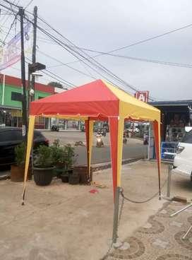 Tenda cafe peneduh hujan