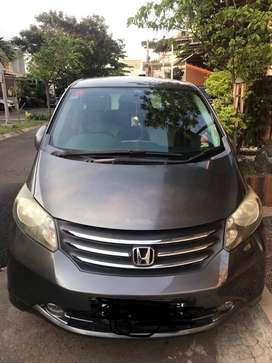 Jual Honda Freed 2011 Type E PSD Mesin Halus dan Pajak Panjang