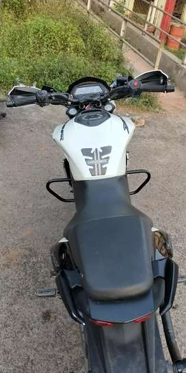 Bajaj dominar 400 for sale in good condition and new tyres