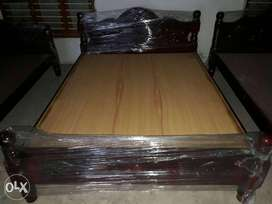 """Brand New Solid Wood Cot For Sale (queen size 5""""× 6 1/4')"""