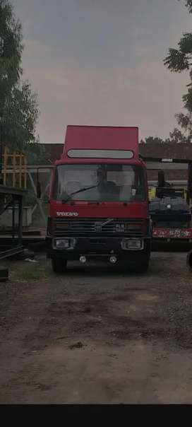 VOLVO FL6 (TURBO) In perfect condition engine sab kuch pack ha
