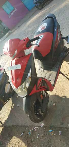 Honda dio red and black