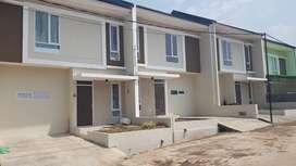 Over kredit Rumah Baru 1 mgu jd, 2 lantai dekat Antapani & Arcamanik