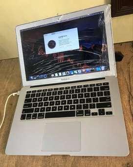 MacBook Air /Mid - 2014/ Intel i5/4GB RAM/128GB SSD Laptop