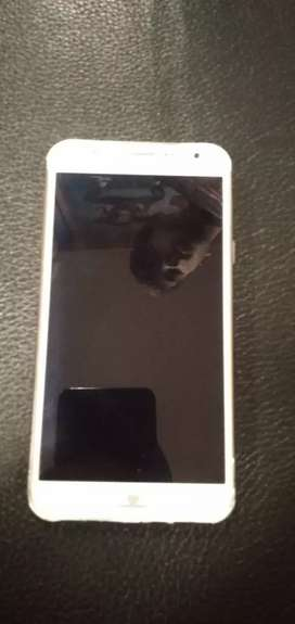 Samsang galaxy j7 in good condition with charger  urgent sell