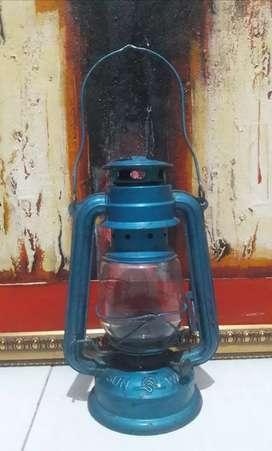 Lampu badai jadul lampu minyak antik koleksi langka vintage lawas unik