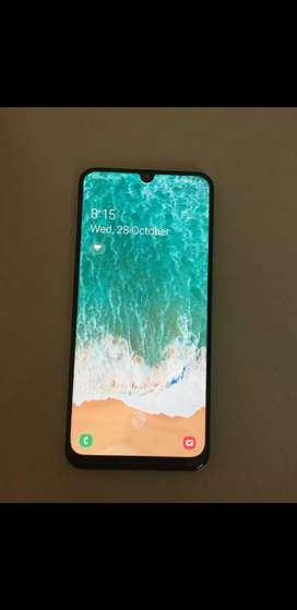 Samsung galaxy a50 mint condition not even scratch