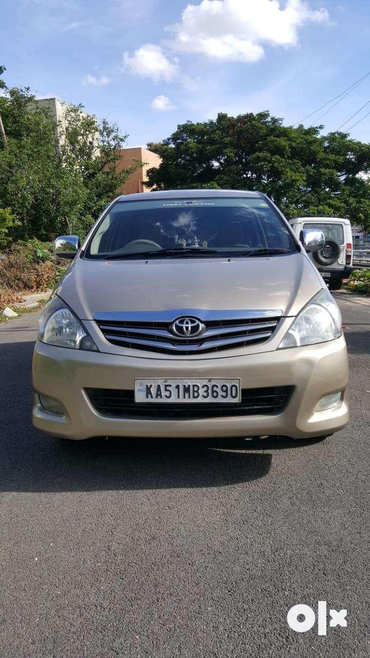 Toyota Innova 2.0 V, 2011, Diesel 0
