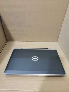 Dell latitude 6420 Corei5 4gbram 320gb harddisk DVD webcam wifi good