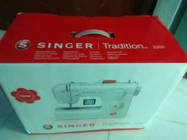 Singer FM2250 Electric Sewing Machine(Built - in Stitches10) Excellent