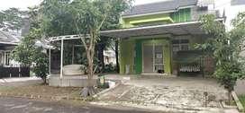 Disewakan rumah dengan taman Cibubur City