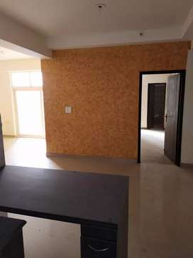 3bhk+servent semifurnished flat available for rent in Valencia homes