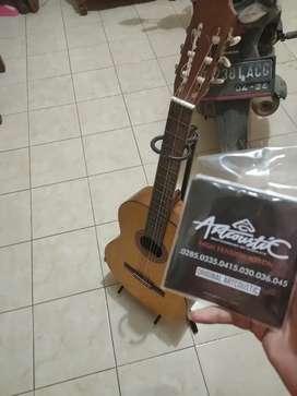 Dijual gitar Yamaha C-315 Original