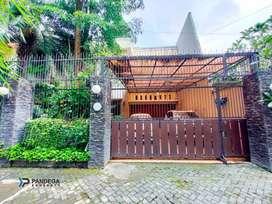 Rumah LT 402 m2 Pandega Marta Dalam Ringroad Ada Kolam Renang
