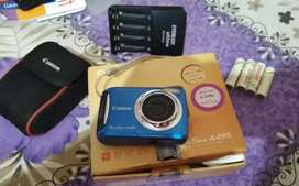 Canon Power shot Digital camera in well condition for urgent sale.