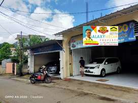 Show Room Mobil Aktif 2 Unit Lokasi Sangat Strategis di Juanda Depok