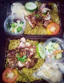 Nasi gurih,  nasi samin ayam panggang