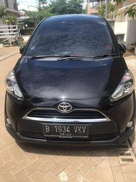 Toyota Sienta 2017 automatic bahan bakar bensin hitam metalik