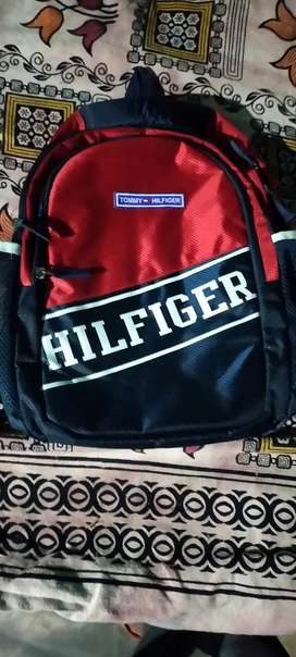 Hillfiger bag rs 400