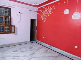 3 bhk front side flat available in vasundhra