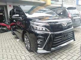 Toyota Voxy 2.0 A/T 2020