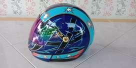 Helm (tutup sirah) yoshi