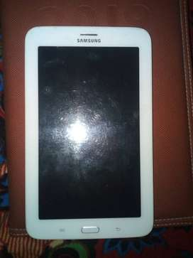 Urgent sell, samsung galaxy tab 3 best. Android 4.2.2.   8GB ROM