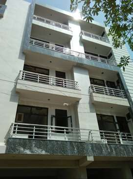 3BHK Builder Floor at attractive price...Hurry Up***