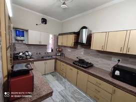 Semi furnished 3bhk for rent in model town