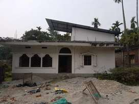 An Under constructed building within 8.5 katah area.