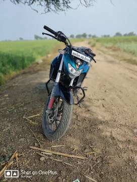 Sell yamaha fz25 cyan colour