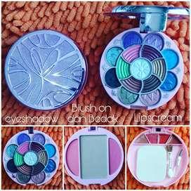 Set makeup lengkap