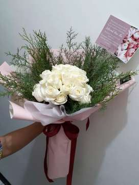 Buket bunga/bunga ikat mawar putih spesial