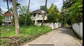 House plot available at vyttila Ernakulam.