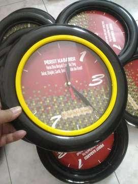 Merchandise jam dinding promosi
