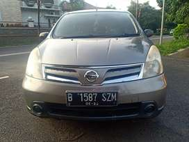 Nissan Grand Livina SV 2012 Matic DP Minim