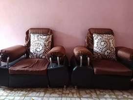Best sofa in a very good condition looking only 4 years old