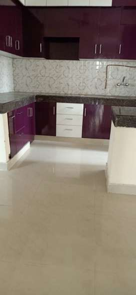 3+ servant semi furnished flat