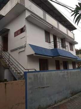 (BACHELOR 3 Nos) 1bhk First floor House rent Kaloor.