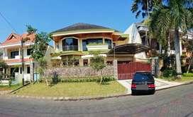 Rumah Mewah di Araya Kota Malang dikontrakan 2 th Murah