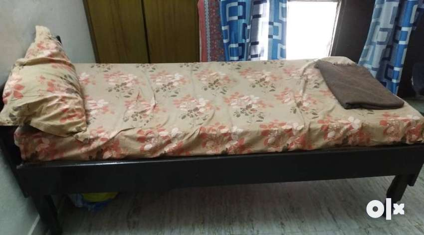 SINGLE BED WITH 4inch Mattress