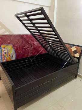 4ft by 6ft hydraulic storage cot and bed brand new