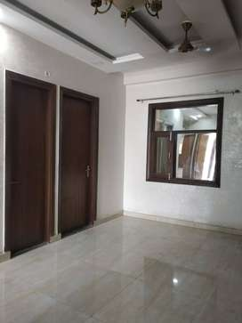 3 BHK FLAT WITH LIFT FACILITY AVAILABLE IN GOOD LOCATION INDIRAPURAM