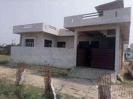 Urgent Sell Corner House in Vinay Vihar Takrohi Indira Nagar4500