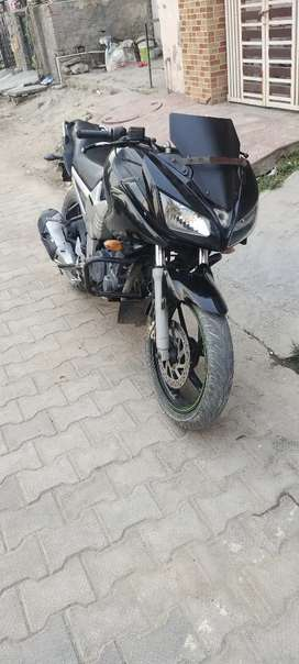 yamaha fazer black in good condition